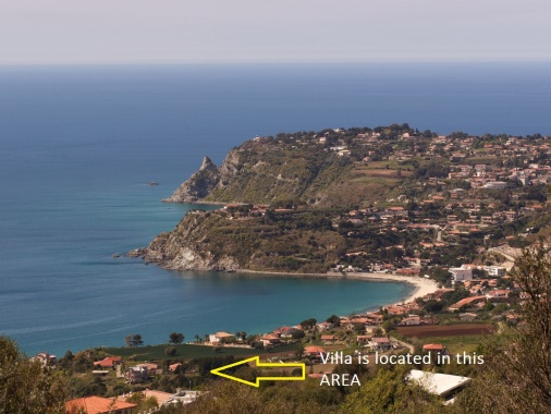 Villa Paladino | Private Independent Villa | Walking Distance to Sea